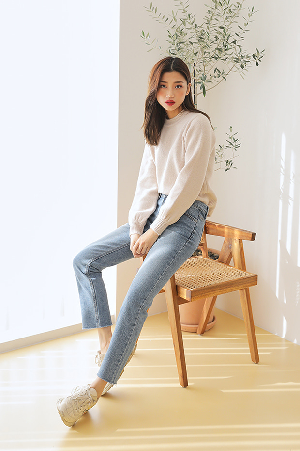 [CONA_9037] Light Brushed Slim Wide Jean (기모안감)