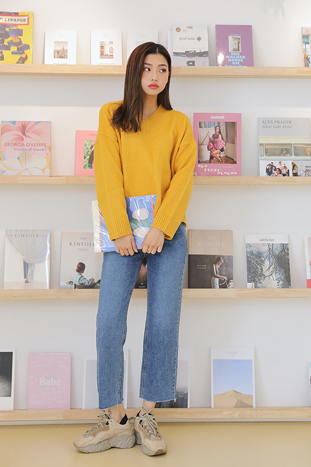 [CONA_9033] Light Washed Slim Wide Straight Jean (기모안감)